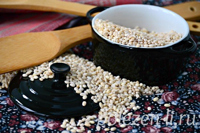 Фото перловки зерен в блюдце