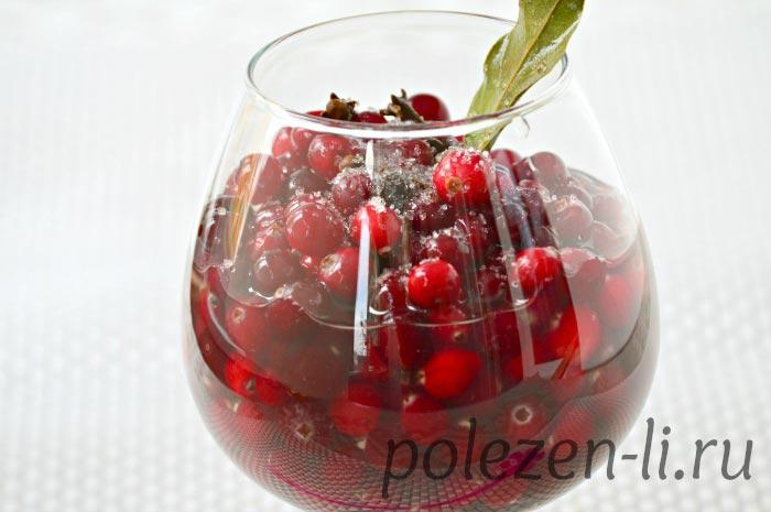 Фото клюквы в стакане