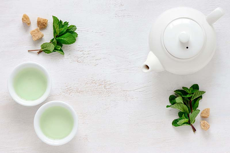 Фото зеленого чая чайник мята