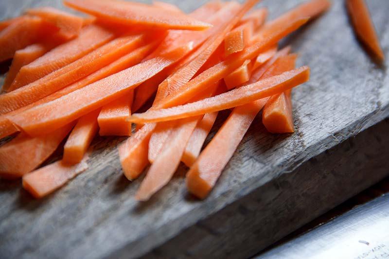 Фото вареной моркови нарезанной